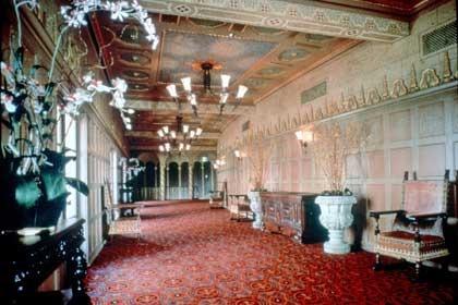 Historic Mezzanine Lobby